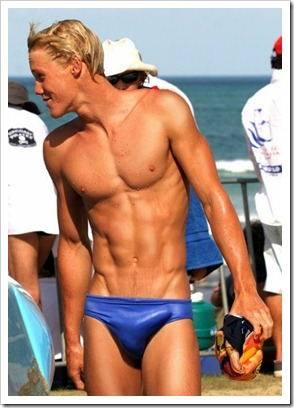 Twinks_with_and_without_speedos_boypost.com (11)