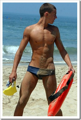 Twinks_with_and_without_speedos_boypost.com (26)