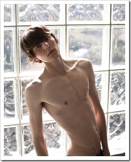 Boys_by_the_window_boypost.com (20)