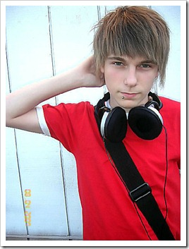 Twinks_with_headphones-boypost (2)