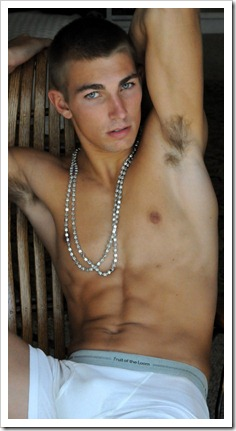 boys_with_jewels-boypost (1)