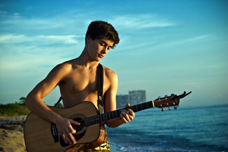 bitches-naked-teen-boy-playing-guitar-naked-gottlieb-nude
