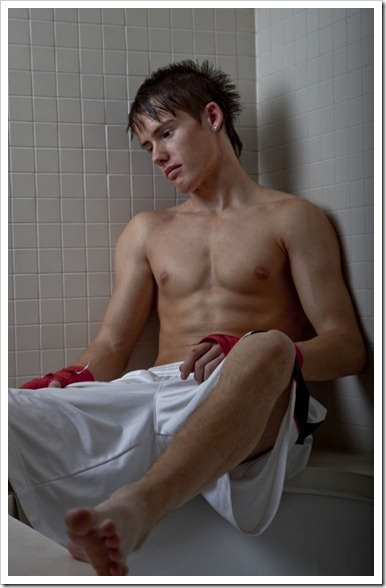 Twinks_in_bath_and_sauna (8)