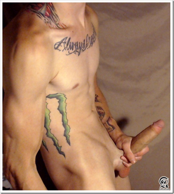 amateur-emo-boy-big-dick (10)