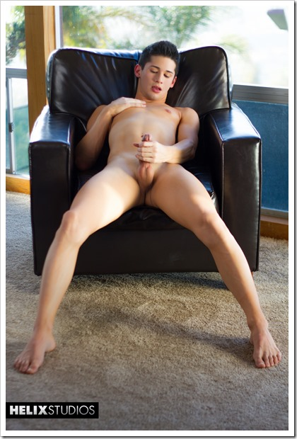 Teen-gay-Liam-Riley-helixstudios (12)