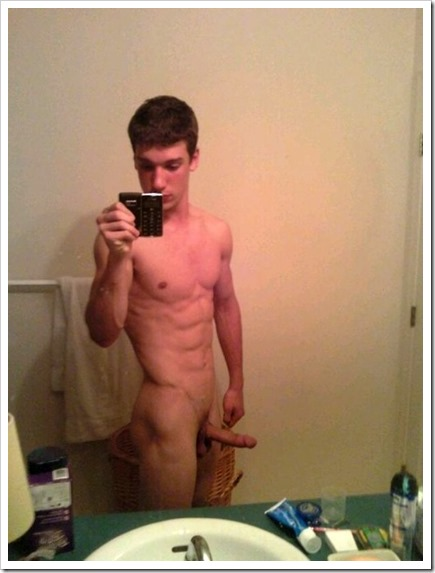twinks-selfies (112)