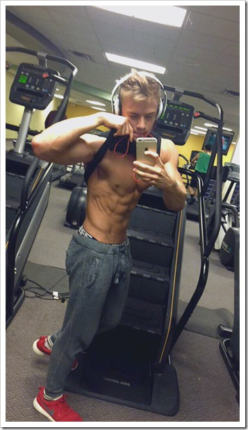 cute-mirror-boys-selfies (105)