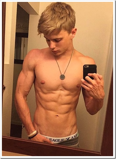 hot-boys-selfies (10)
