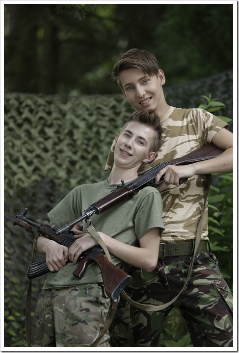 Twink-soldiers-sex-action-staxus (6)