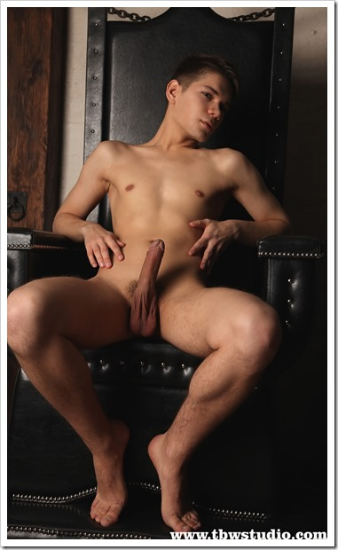gay-boy-Winston-Teens-Boys-World (8)