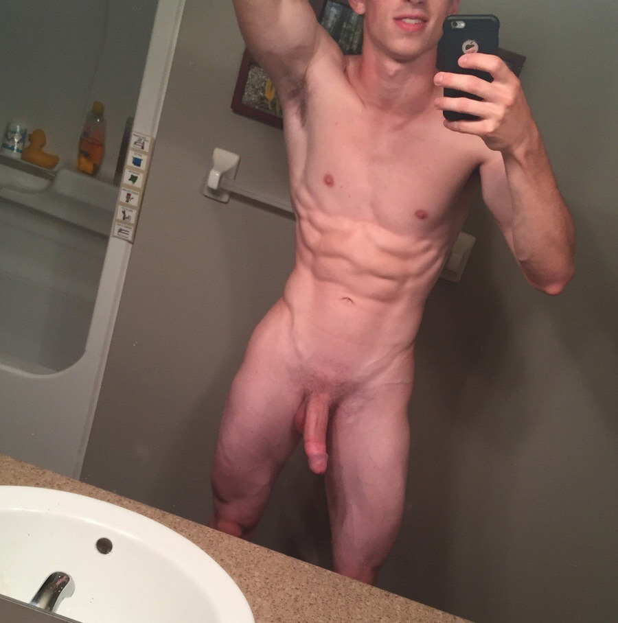 Amateur guy shows his muscle six