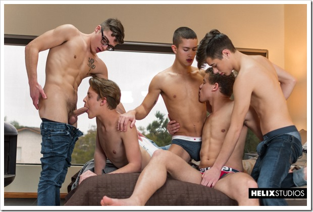 gay-supermodels-in-sexy-orgy (1)