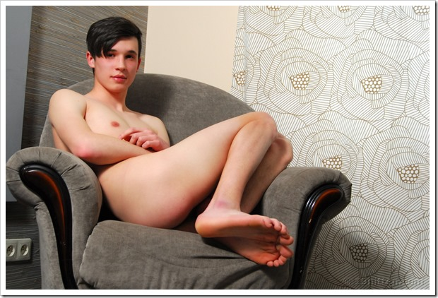 Adorable-Smooth-Twink (15)