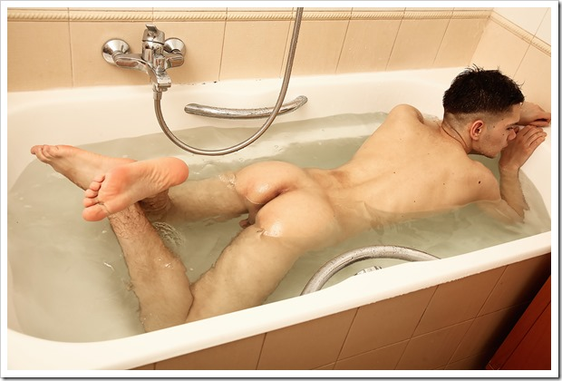 Hot-twink-in-hot-shower (11)