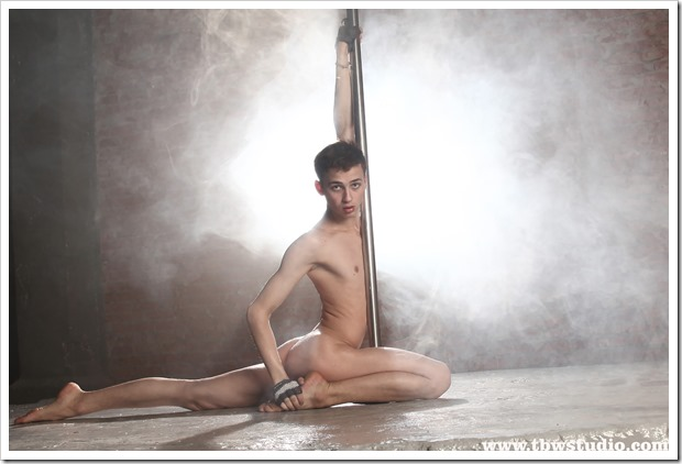 wonderful-twink-gymnast-Pascal-TBW (10)