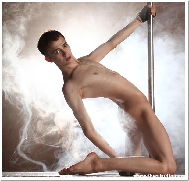 wonderful-twink-gymnast-Pascal-TBW (14)