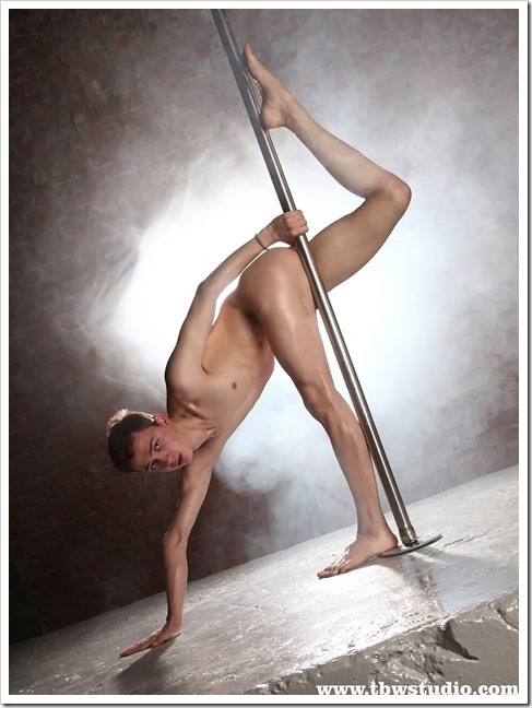 wonderful-twink-gymnast-Pascal-TBW (4)
