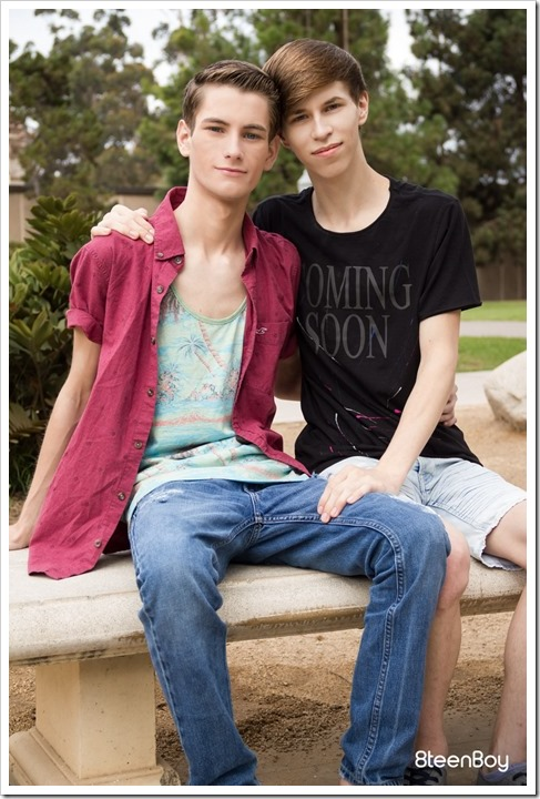 really-cute-twink-couple (1)