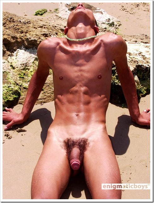 Slim-gay-twinks-on-the-beach (8)