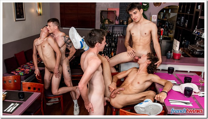 gay-men-and-boys-sex-orgy (10)