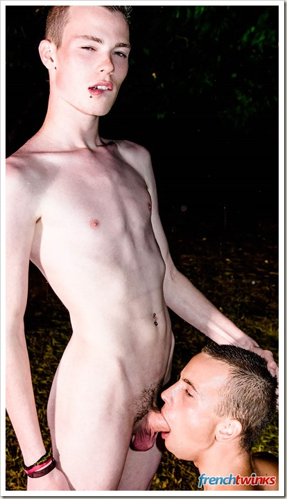 Gay-Boys-Passion-In-The-Rain (2)